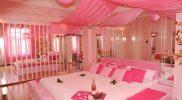 Club Frivol pinkes Zimmer