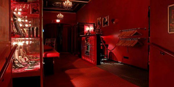 Swingerclub Insomnia Garderobe